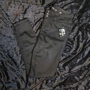 Nwt Blackheart Highrise Skinny Jeans